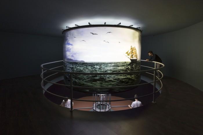 Abajur, 1997/2010 Installation view at Fondazione HangarBicocca, 2014 Foto/Photo Agostino Osio Courtesy Fondazione HangarBicocca, Milan; Cildo Meireles